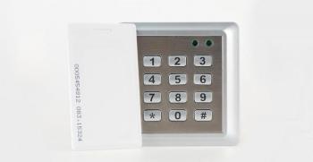 Codeslot bedraad met magneetkaart bedieningssysteem